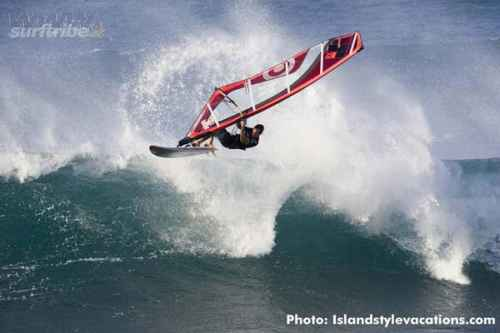 Windsurfing in Maui Photo Islan