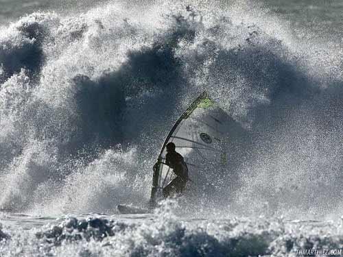 Consigli per affrontare le onde con il windsurf