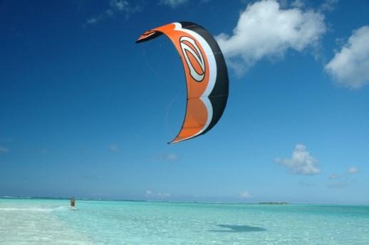 Cambio di direzione e Strambata nel kitesurf