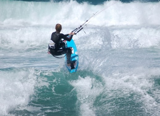 kitesurf con la tavola da surf