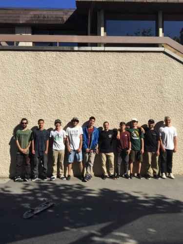 Il Team DC Skate Italy durante le riprese di Grinding Geneva