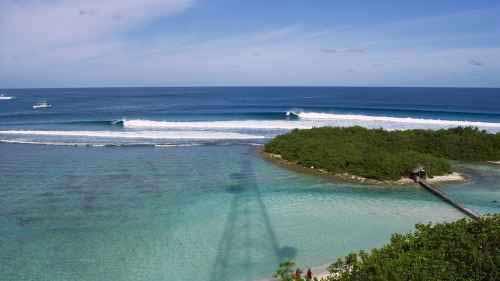 SURF TRIP ALLE MALDIVE CON BLACKWAVE E QUIKSILVER