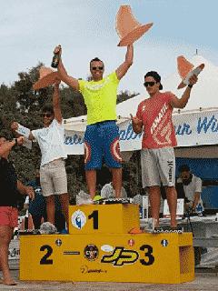 Andrea Rosati vince la terza tappa dell\'Italian Slalom Tour Windsurf 2017 di Cagliari
