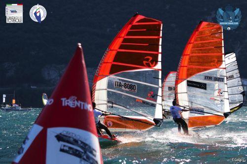 Windsurf Grand Slam: ancora Frank e Treggiari in testa ai campionati nazionali