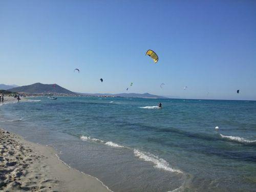 Siniscola, campione di kite0surf vince al Tar: farà la sua scuola