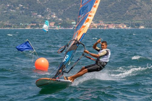 Windsurf/day 2 mondiali IFCA Slalom contesi tra Francia e Italia
