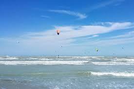 Appassionati di kitesurf a Termoli