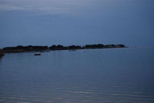 Trascinato in volo mentre pratica il kitesurf, muore un uomo di 45 anni