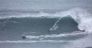 """Francisco Porcella manca l'onda giusta al """"Big Surf Tour"""""""