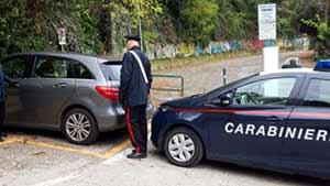 Ancona: Furti nelle auto mentre fanno surf, arrestato