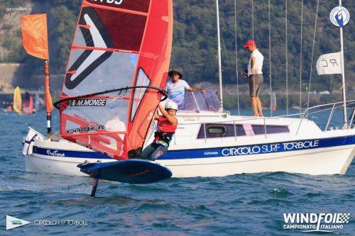 Assegnati a Torbole i titoli italiani Foil di windsurf